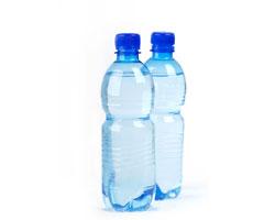 Бутилированная вода в пол- и литровых бутылках исчезнет с прилавков магазинов в Конкорде