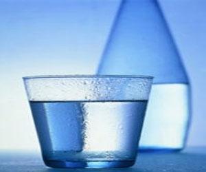 Анализ бутилированной воды в КНР: нет абсолютно безопасной для здоровья жидкости
